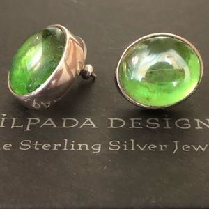 RARE P0798 Silpada Silver and Green Glass Earrings